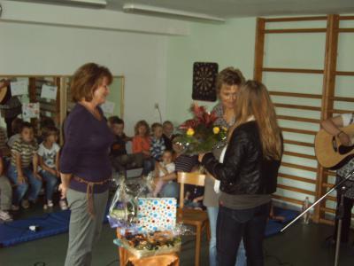 Foto zur Meldung: 10 Jahre Leiterin der Integrationskindertagesstätte Eichhörnchen Meyenburg