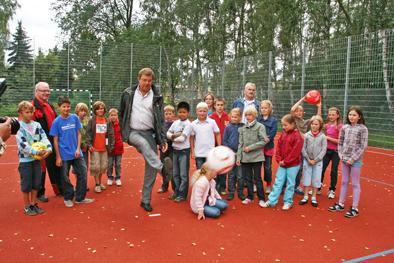 Foto zur Meldung: Neues Kleinspielfeld in Klosterfelde eingeweiht