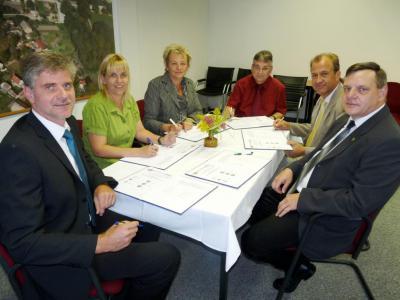 Foto zur Meldung: Kooperationserklärung zur Oderlandregion unterzeichnet
