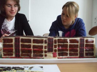Foto zur Meldung: Leserbrief der Oberschule Falkensee: Alles unter einem Hut/ Schülerfirma neu gegründet