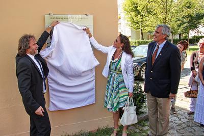 Foto zur Meldung: Neue Gedenktafel ziert nun das Haus der Heimatgeschichte