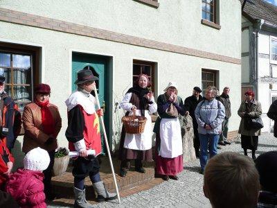 Foto zur Meldung: Historischer Osterspaziergang