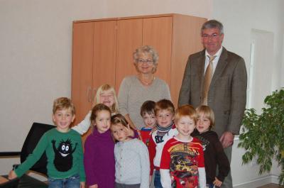 Foto zu Meldung: Kita-Kinder zu Besuch beim Bürgermeister