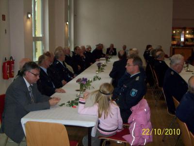 Vorschaubild : ALTERS- UND EHRENABTEILUNG TRAF SICH IM BÜRGERHAUS SACHSENDORF AM 22.10.2010