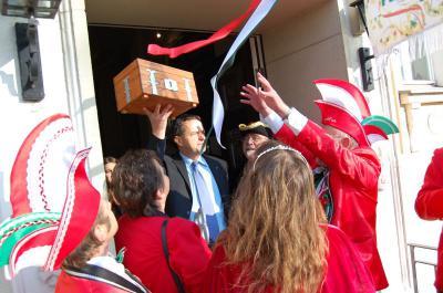 Foto zu Meldung:  Falkenseer Rathaus gestürmt - Fünfte Jahreszeit beginnt
