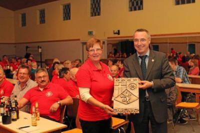 Foto zur Meldung: Wappenschild des Landes für TV Oberneisen