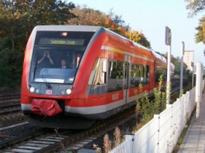 Foto zu Meldung: Mit RE 300 Rehfelde - Berlin nonstop