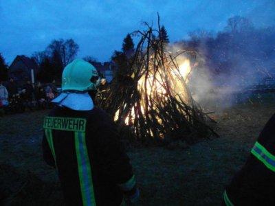 Foto zur Meldung: Knutfest bei der Feuerwehr Falkensee gut besucht - Freiwillige Feuerwehr Falkensee veranstaltet erstmals das skandinavische Traditionsfest