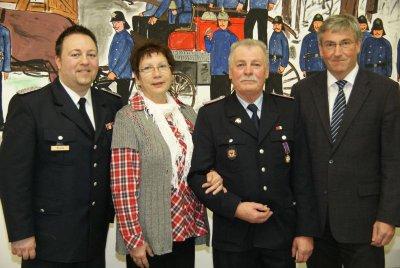 Foto zur Meldung: Falkensees Freiwillige Feuerwehr lässt das vergangene Jahr Revue passieren
