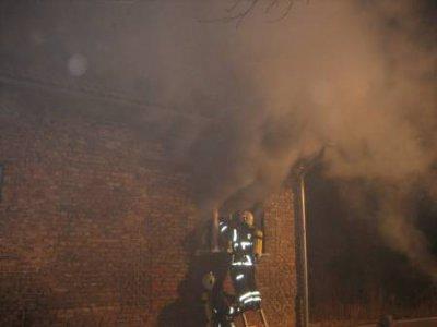 Foto zur Meldung: Falkensees Feuerwehr unterstützt Löscharbeiten in Dallgow-Döberitz