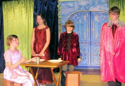 Foto zur Meldung: Prinzessin oder nicht? Das Publikum entscheidet am 26.02.12 im Holzhaustheater Zielitz