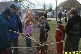 Foto zu Meldung: Osterfeuer im Dorf