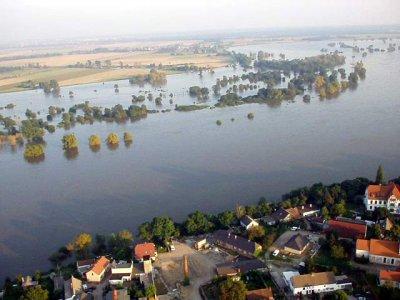 """Vorschaubild zur Meldung: Fotoausstellung """"Jahrtausendhochwasser 2002"""""""