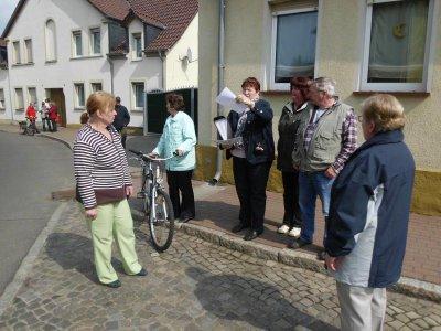 Vorschaubild zur Meldung: Dorfrundgang mit Besuch der ältesten Betriebe