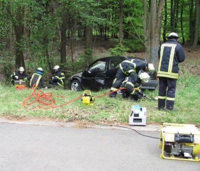 Foto zur Meldung: Massenunfall inszeniert für Feuerwehrübung