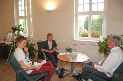 Foto zur Meldung: Professionell bei Frage und Schnitt - Gymnasiasten interviewten Bürgermeister zum Thema Umwelt
