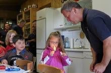 Foto zur Meldung: Kinder bei der Feuerwehr