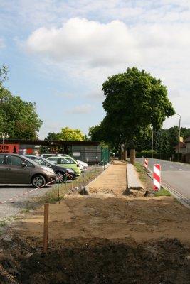 Foto zur Meldung: Auf Hochtouren: Bau neuer Geh-, Radweg in Basdorf