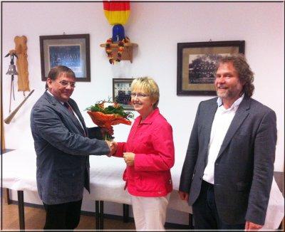 Foto zu Meldung: Ordnungsamtsleiterin von Stadtverordneten verabschiedet