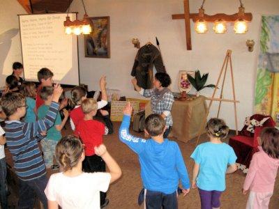 Foto zur Meldung: Ein ritterliches Abenteuer – Kinderbibelwoche in Wenings