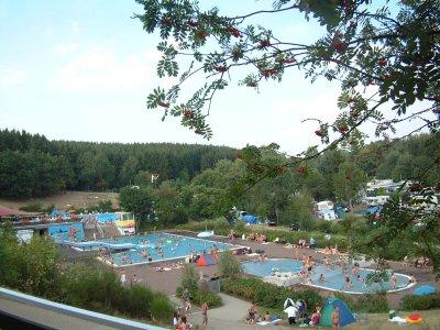 Vorschaubild zur Meldung: Freibad Hochwald: Erfrischung und Natur-Pur