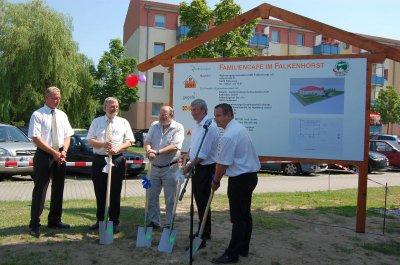"""Foto zu Meldung: Projektauftakt für das """"Familiencafé im Falkenhorst"""" - Ideen der Anwohner sind gefragt!"""