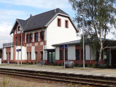 Foto zu Meldung: Letzte Handgriffe am Bahnhofsobjekt