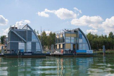 Sachsens Ministerpräsident Stanislaw Tillich wirbt für Investitionen im Lausitzer Seenland