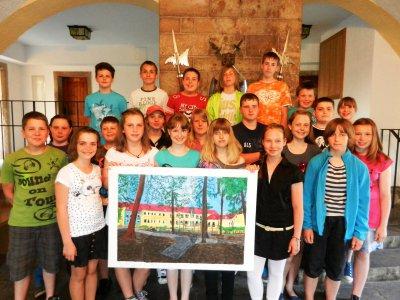 Foto zur Meldung: Abschiedsgeschenk der 6. Klasse