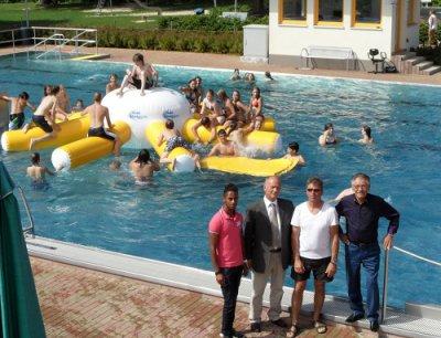 Vorschaubild Zur Meldung: Neue Krake Für Das Schwimmbad In Wächtersbach   Kinder  Und Jugendliche Dürfen