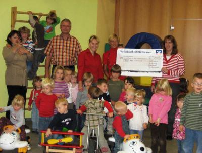 Mit Basarspenden für den Kindergarten Abenteuerland gesammelt