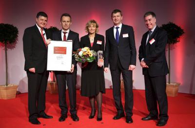 """Landkreis OSL gratuliert Buchanelectric zum Preis """"Unternehmer des Jahres 2012"""""""