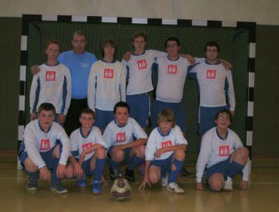 Foto zu Meldung: Unsere aktuelle Fußballmannschaft mit ihrem Trainer Hr. Ohlrich
