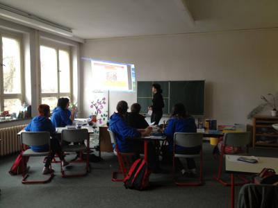 Foto zur Meldung: Sparkasse berät Klasse 10