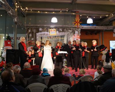 Foto zu Meldung: Rehfelder Sängerkreis im Handelszentrum