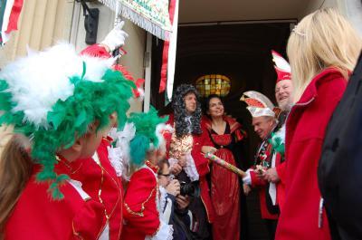 Foto zu Meldung: Falkensee Helau! - Falkenseer Karnevals-Klub startet mit Prunksitzung in die närrische Hoch-Zeit