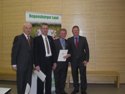 Foto zur Meldung: Verleihung des Ehrenzeichens des Bayerischen Ministerpräsidenten
