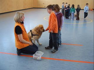 Vorschaubild zur Meldung: Der Hund in der Schule