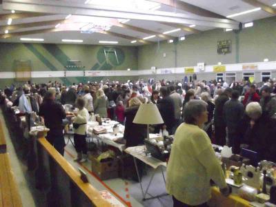 Foto zur Meldung: Flohmarkt in der Sporthalle - ein echtes Hightlight !