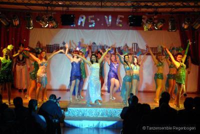 Foto zur Meldung: Tanzensemble Regenbogen aus Falkensee mit großer Show in Perwenitz zu sehen