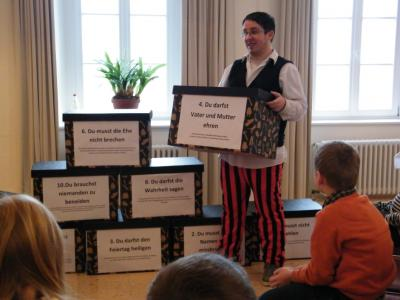 Foto zur Meldung: Exkursion zur Bibel-Erlebnis-Ausstellung in Weißenstadt
