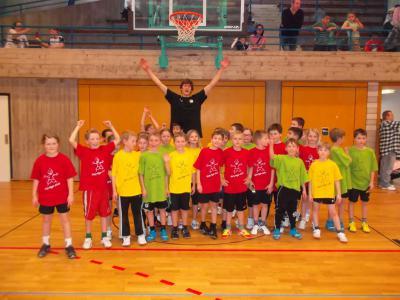 Foto zur Meldung: Georg-Hager-Schule mit 3 Teams beim Basketballcup der Grundschulen in Ludwigsburg