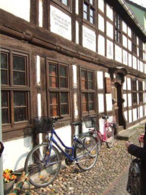 Foto zu Meldung: Brandenburg baut Spitzenposition im Radfernwegenetz weiter aus / neu: Radrouten Historische Stadtkerne