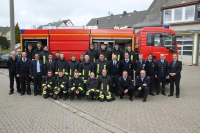 Foto zu Meldung: 18 junge Menschen für Feuerwehrdienst bereit