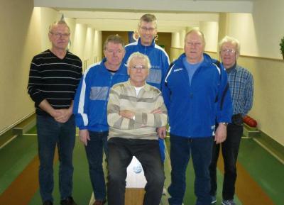 Foto zu Meldung: Seniorenkegelmannschaft belegt Platz 1.