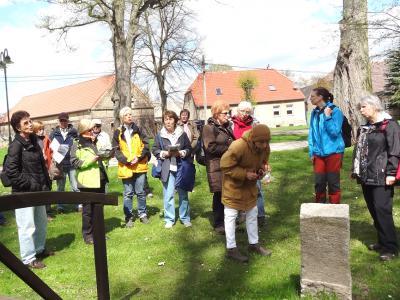 Foto zur Meldung: Aus dem NEB-Wanderexpress auf den Liederweg Rehfelde-Werder-Zinndorf