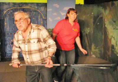 Foto zur Meldung: Oma-Casting im Holzhaustheater Zielitz