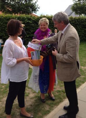 Foto zur Meldung: Leserbrief der Kita Schwalbennest: Kunterbuntes Farbenfest war ein voller Erfolg