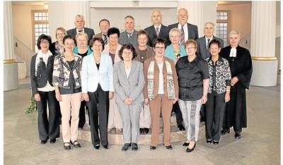 Foto zu Meldung: Wiedersehen nach 50 Jahren in der Rundkirche in Oberneisen gefeiert