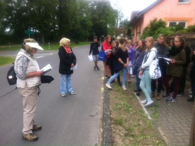 Foto zur Meldung: Erste Schüler-Wanderung auf dem Liederweg